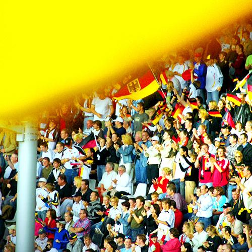 Fußball WM Stadion, Fans, Steuern im Profisport