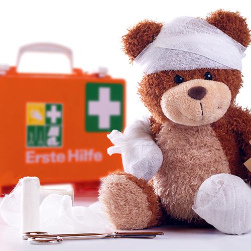 Ein verletzter Teddy-Bär
